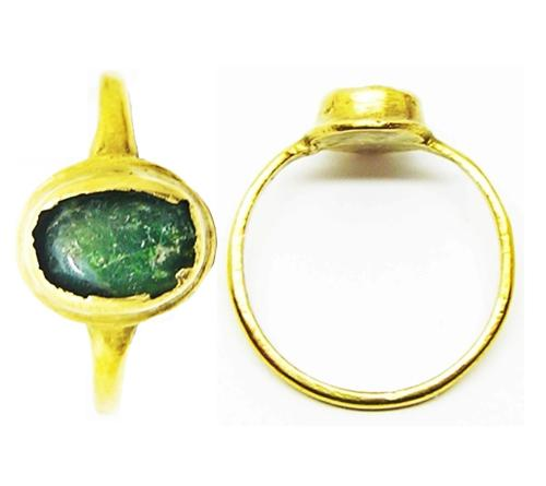 Medieval Ladies Gold & Emerald Finger Ring