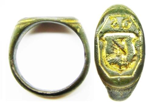 Gold Gilt Armorial Signet Ring of a Phoenix
