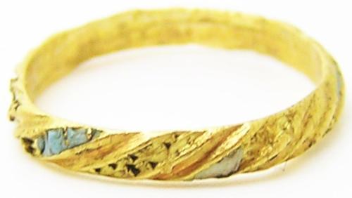 Tudor / Stuart Gold & Enamel Finger Ring Ship Wreck Find