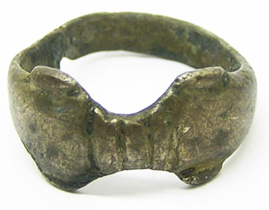 Roman Embracing Dolphins Silver Finger Ring