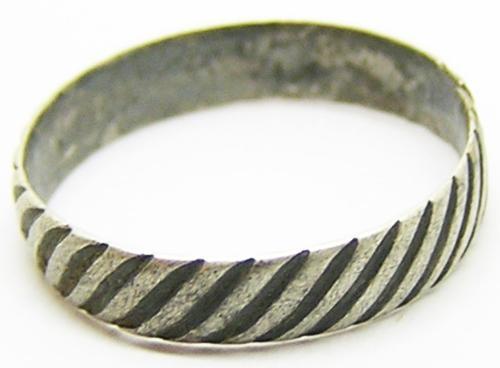 Baroque Silver Finger Ring