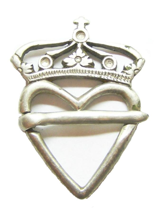 Renaissance Silver Crowned Heart Early Luckenbooth Type Brooch