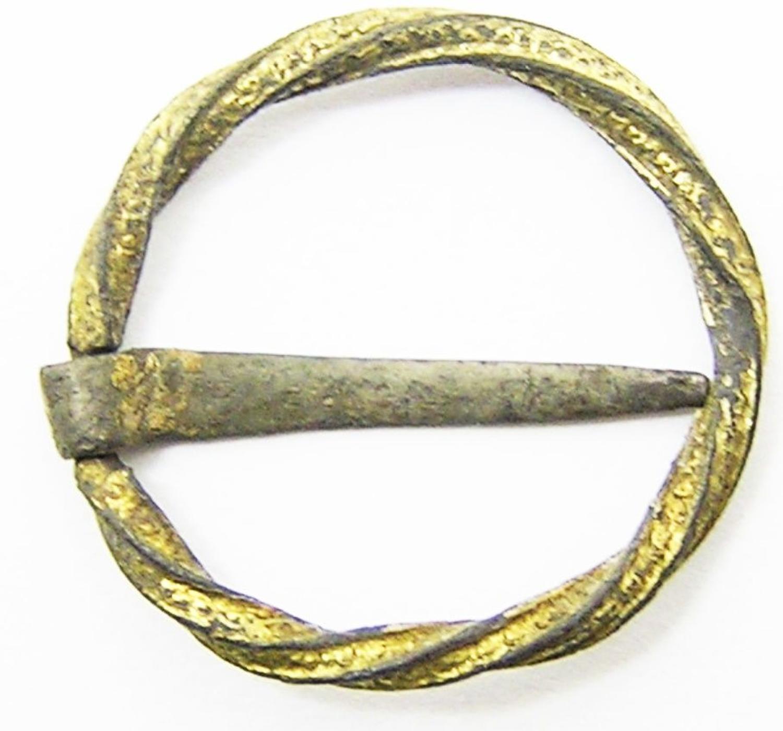 Medieval Silver-gilt ring brooch