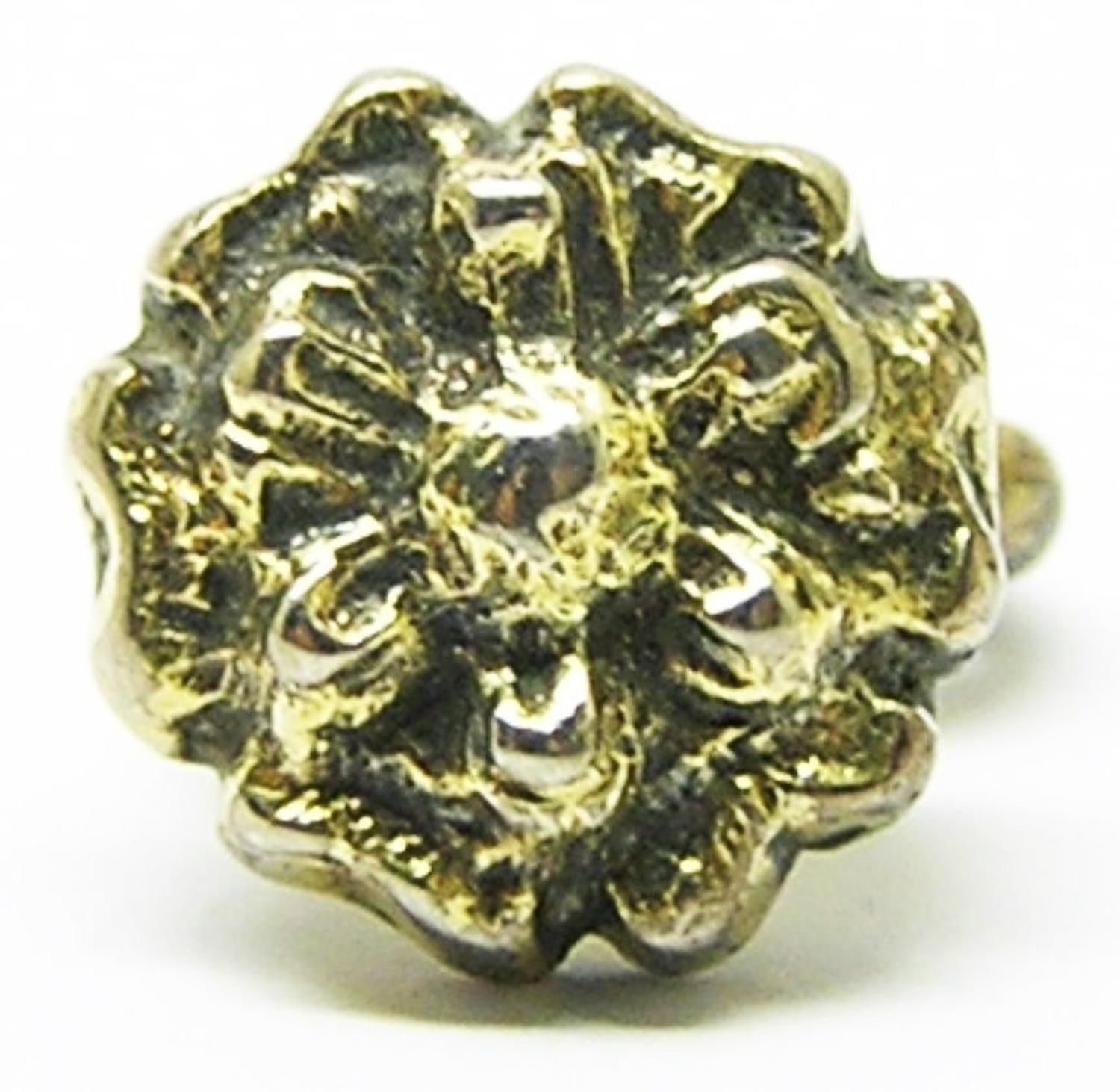 Tudor silver gilt hat pin / badge of a rose