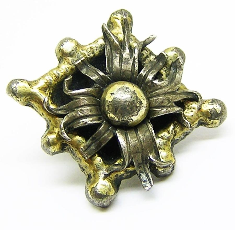 Tudor silver gilt hat badge