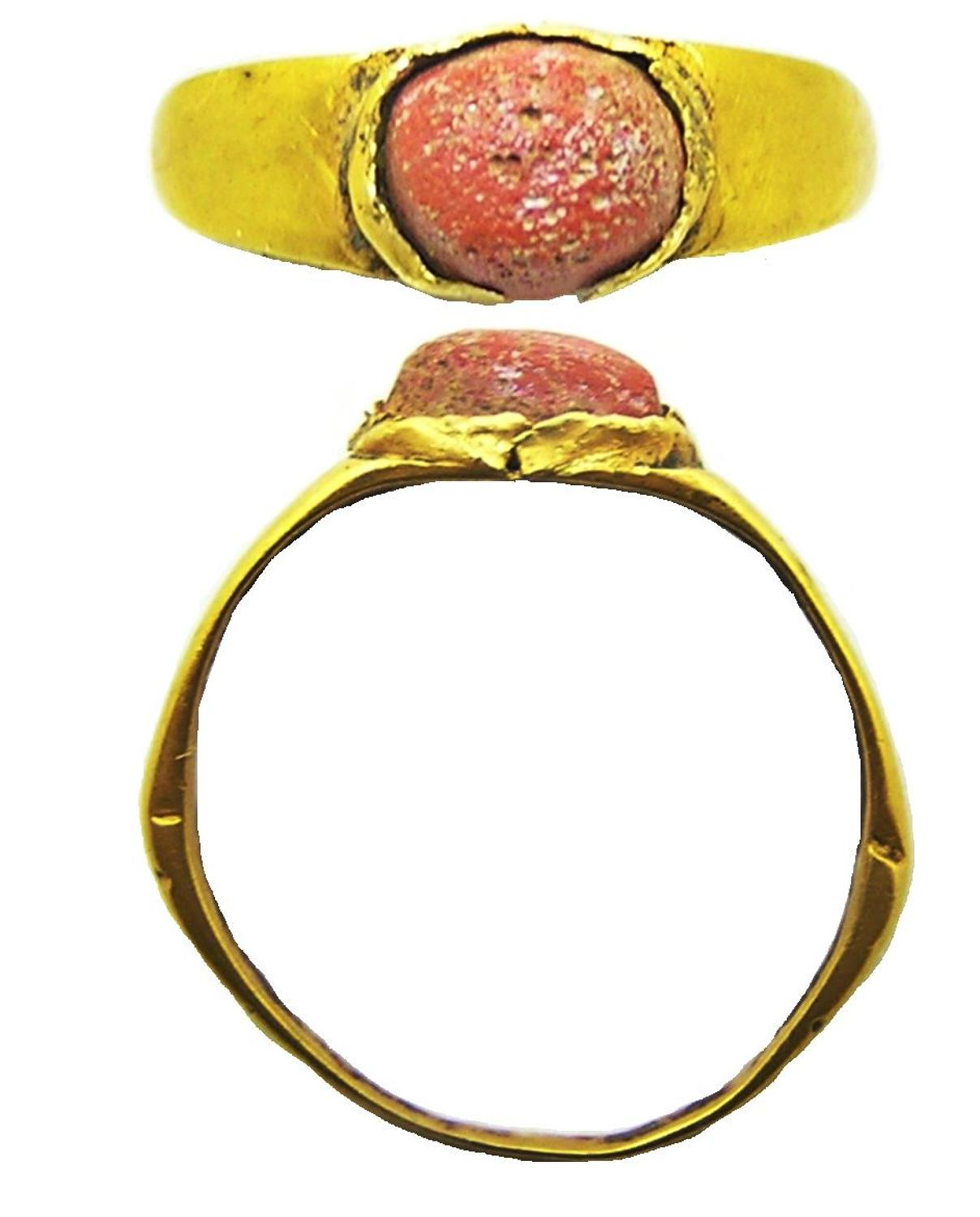 Roman gold finger ring Henig type VIII