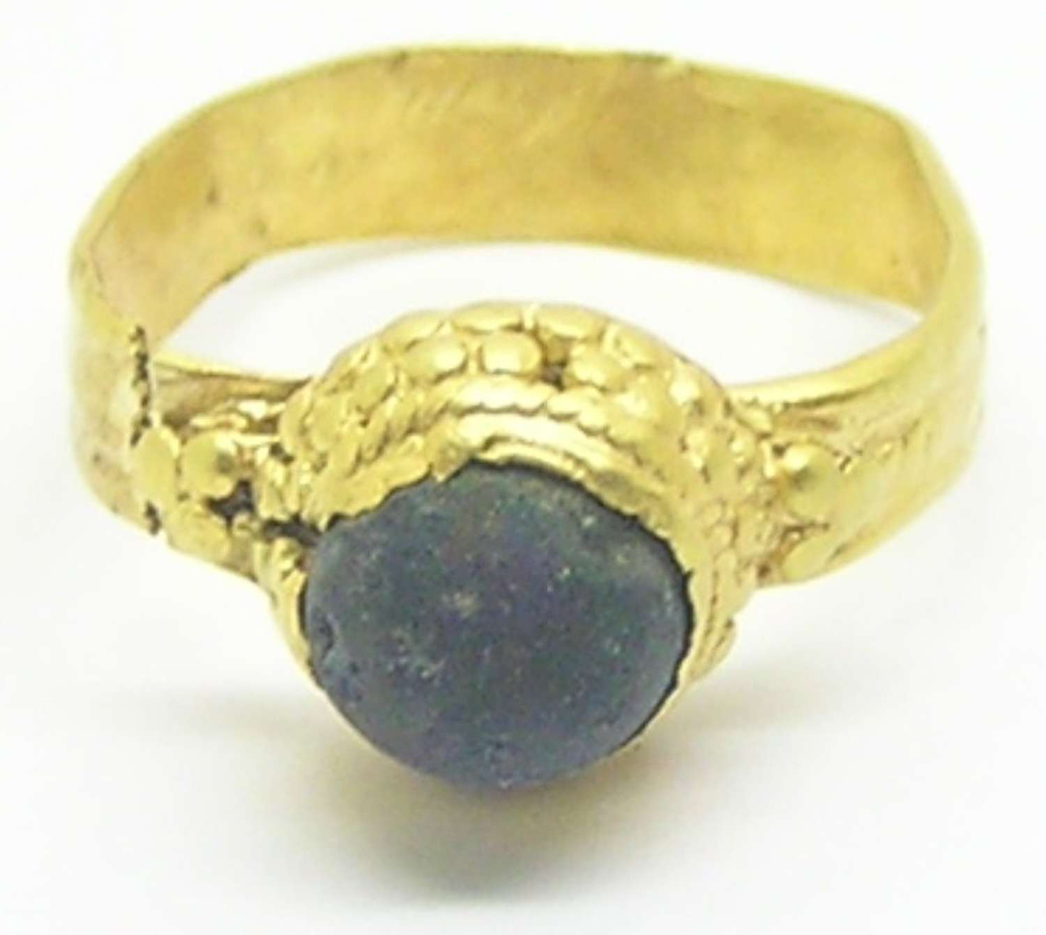 Germanic Migration period gold finger ring
