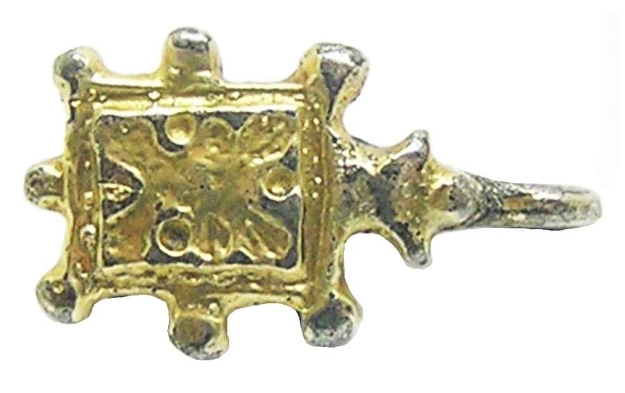 Tudor silver-gilt dress hook clothing fastener