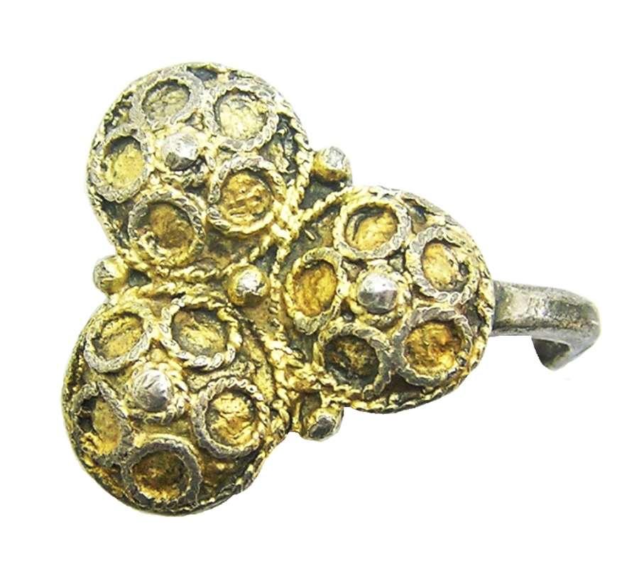 Large Tudor period silver-gilt dress hook fastener