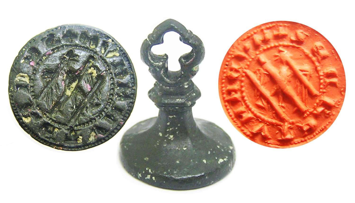 Medieval bronze mute 'My Secret' seal of an erased eagle