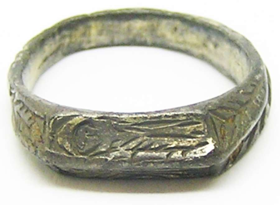 Medieval silver iconographic ring St. Peter & St. Paul
