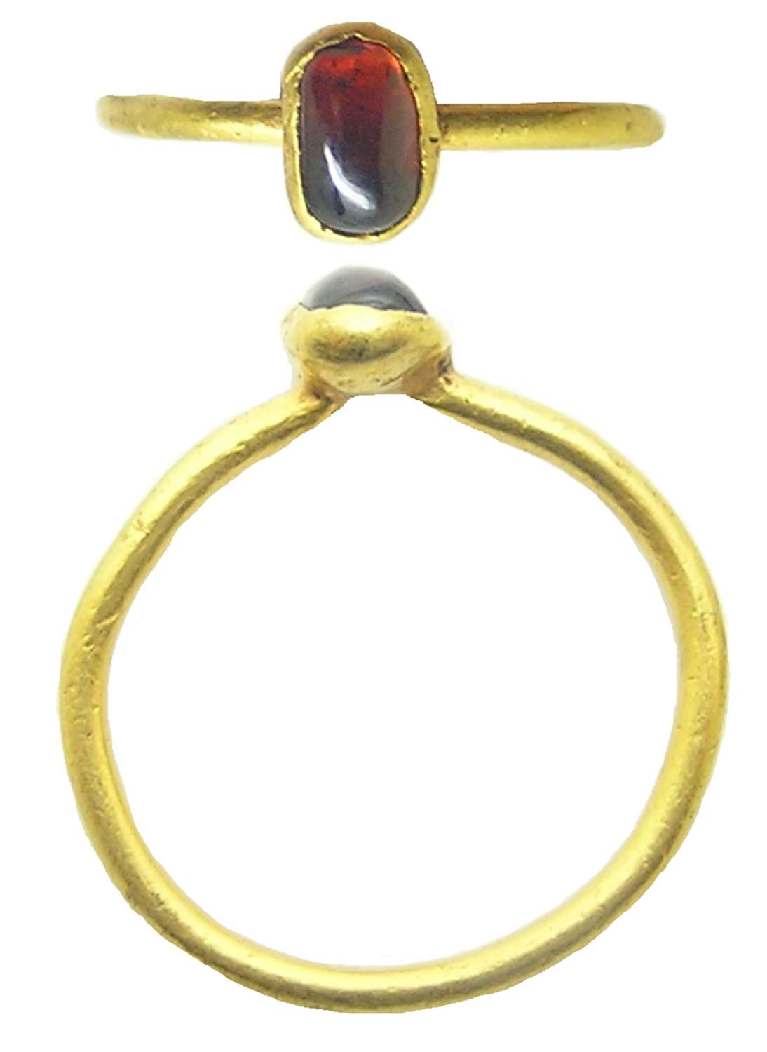 Medieval gold and almandine garnet finger ring