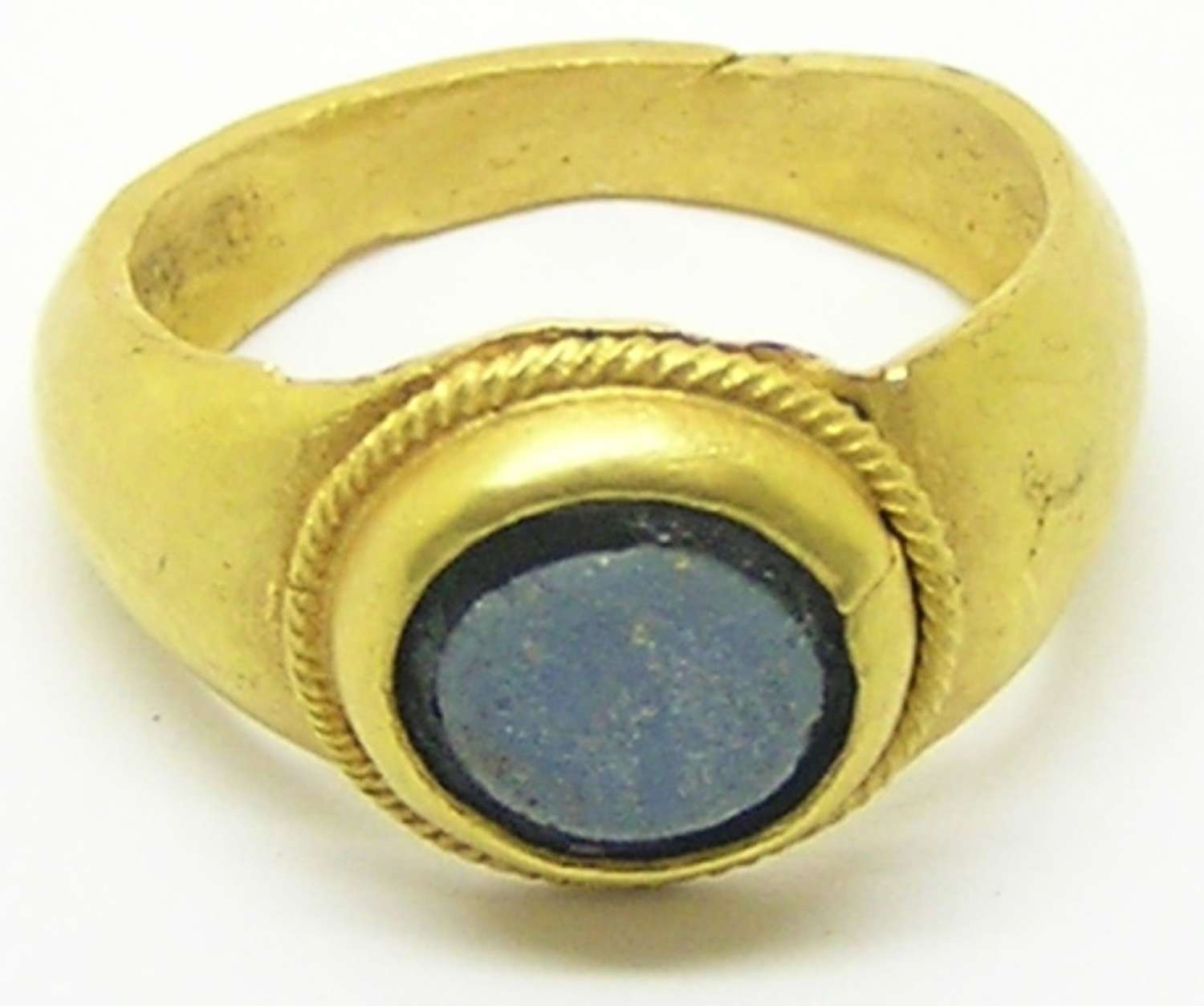 Roman gold finger ring nicolo paste setting Guiraud type 4