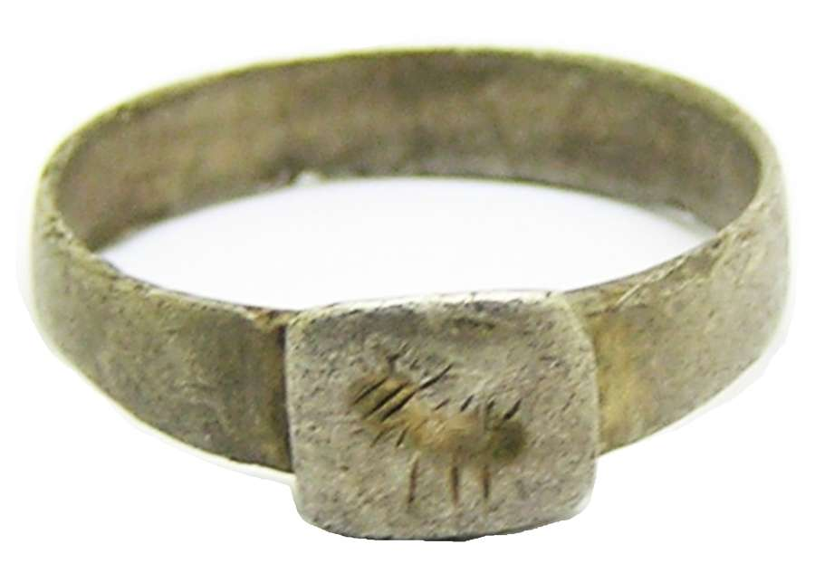 Roman silver signet ring Brancaster type with Agnus Dei
