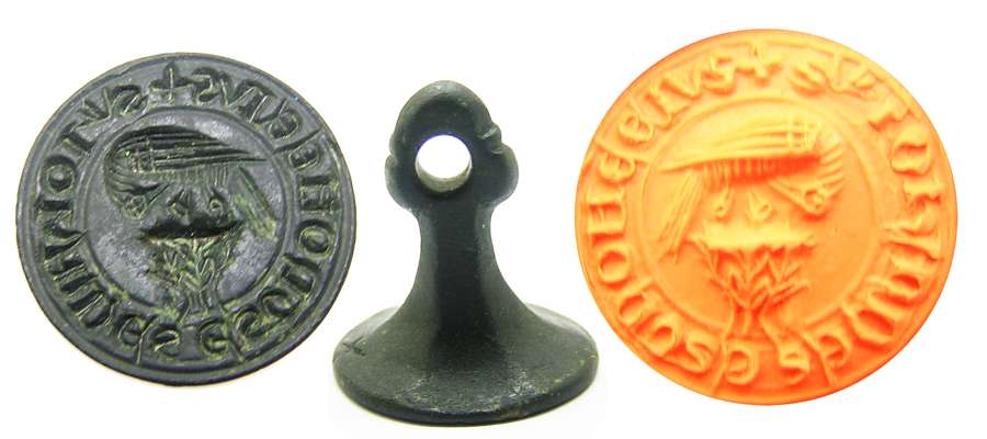 Medieval bronze seal matrice Pelican in her Piety