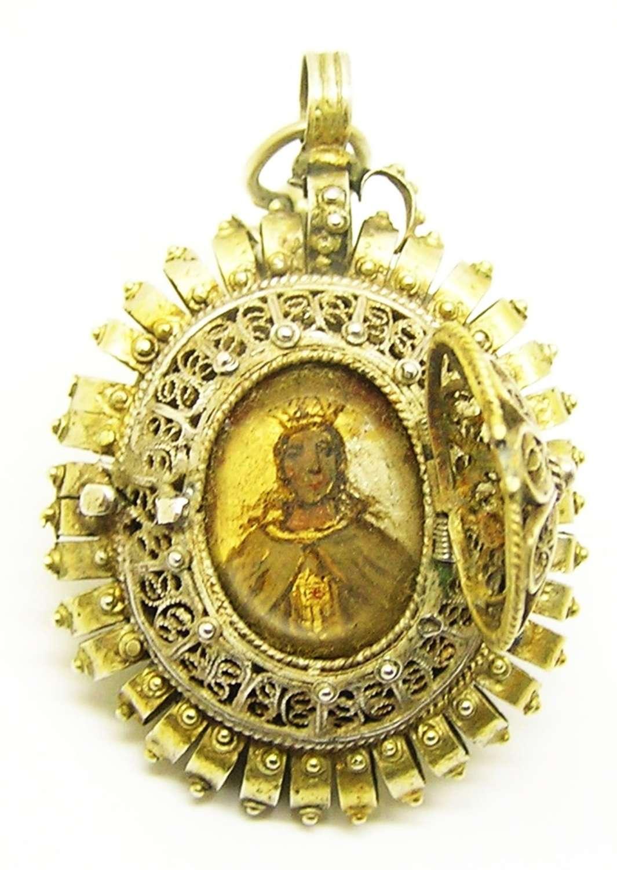 Charming Renaissance silver-gilt devotional amulet