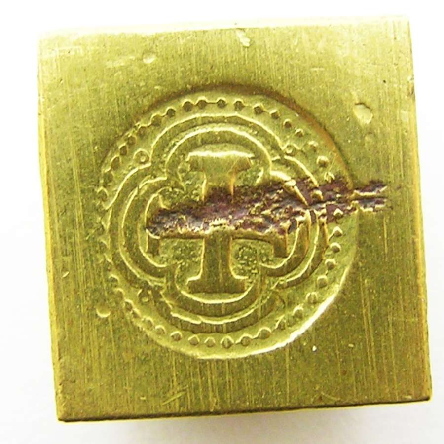 Hammered gold coin weight Spanish Cob 8 escudos