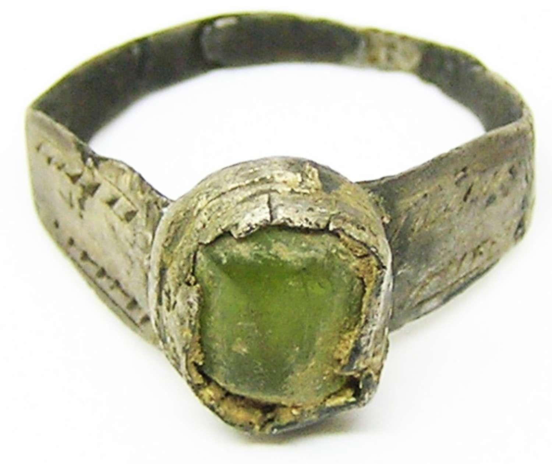 Roman silver finger ring Henig type VIII green stone