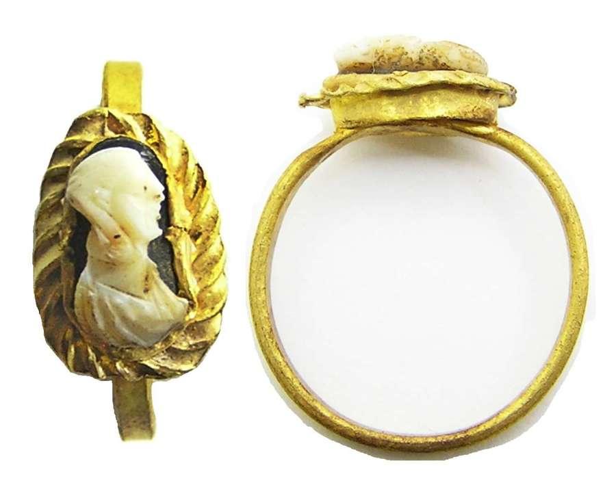 Roman Gold Cameo Ring of an Empress