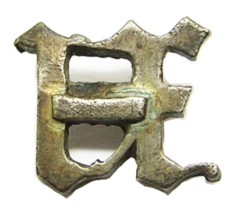 Medieval silver livery badge/belt stud Blackletter Monogram